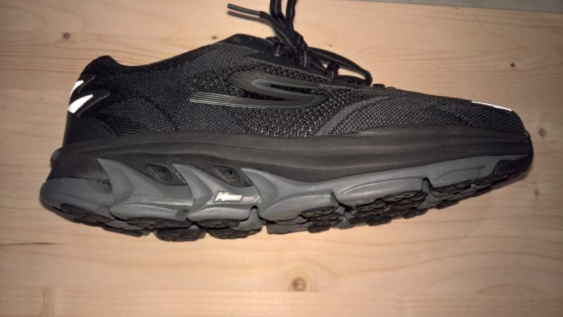 Skechers-go-run-ultra-4